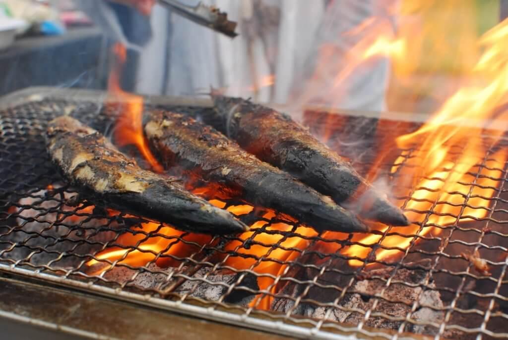 秋のキャンプといえば、秋刀魚