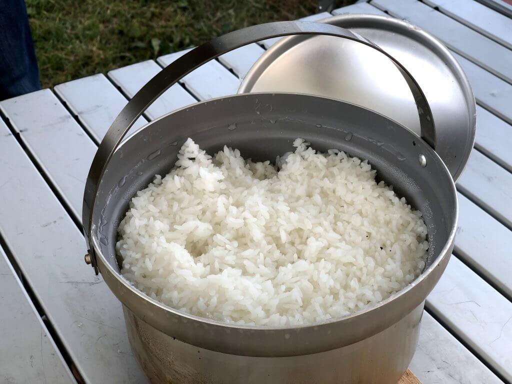お米が簡単に炊けてしまう便利な道具です、本当に!