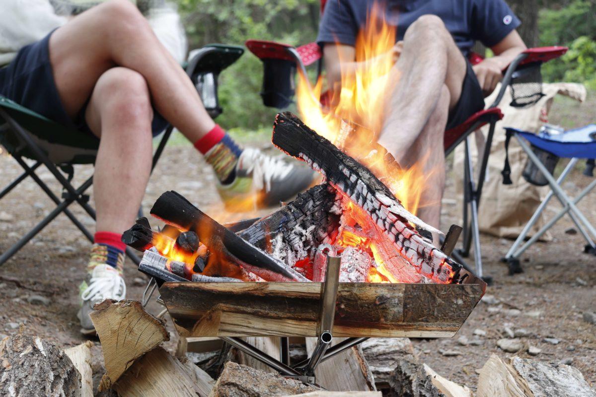 焚き火台でキャンプファイヤーもできる