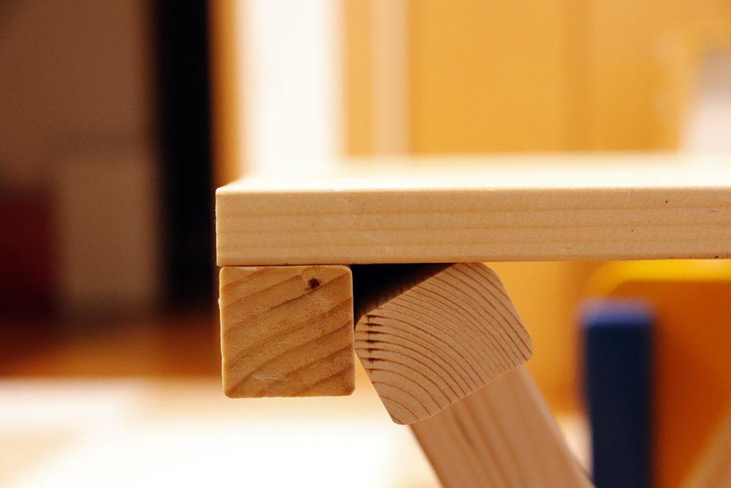 横から見ても木材が割れてない!