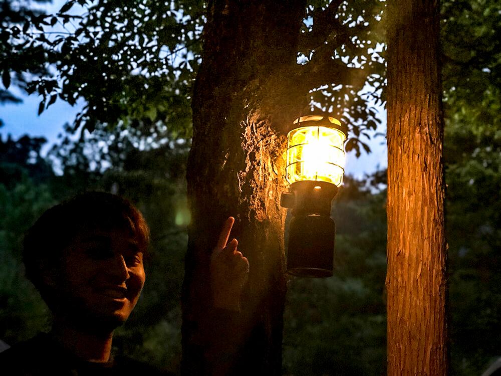 夕暮れ時の2500ノースターの明かり