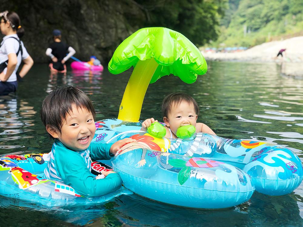 神之川キャンプ場は子どもでも安心の川遊び