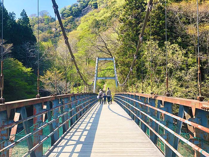 青野原オートキャンプ場外にある吊り橋
